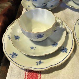 Kahvikuppi, tassi ja pullalautanen, Arabia